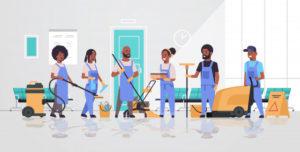 equipe-nettoyeurs-uniforme-travaillant-ensemble-concept-service-nettoyage-concierges-aide-equipement-professionnel-couloir-hopital-moderne-interieur-pleine-longueur-horizontale_48369-25831